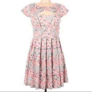🌵Lauren Conrad Casual Scoop Neck Flower Dress